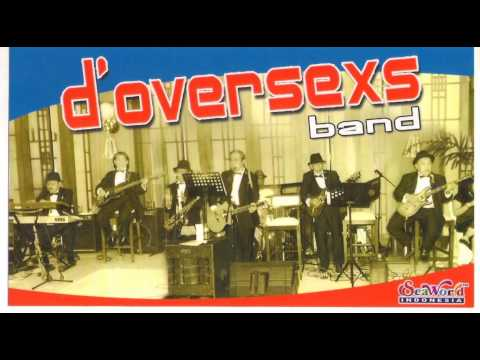 Payung Fantasi with D'oversexs Band