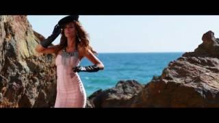Baixar Elisabetta Canalis for Harper's Bazaar Arabia September 2011