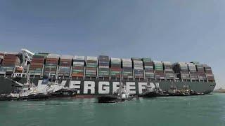 El Ever Given que bloquea el canal de Suez reflotado en un 80%