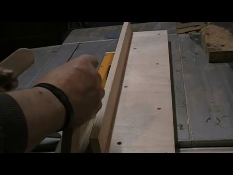 fabrication d 39 un guide de coupe pour scie sur table super r sultat youtube. Black Bedroom Furniture Sets. Home Design Ideas