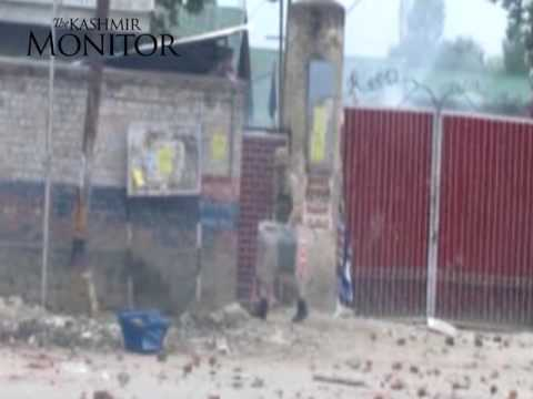 Students clash with forces in Sopore