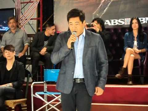 Martin Nievera singing Maging Sino Ka Man during Juan Dela Cruz Presscon Travel Video