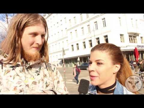 WELTFRAUENTAG - Interview Thaliastraße U6