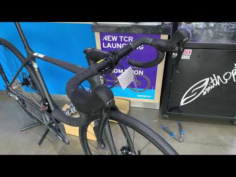 2021 GIANT TCR ADV 1 DISC KOM UNBOXING