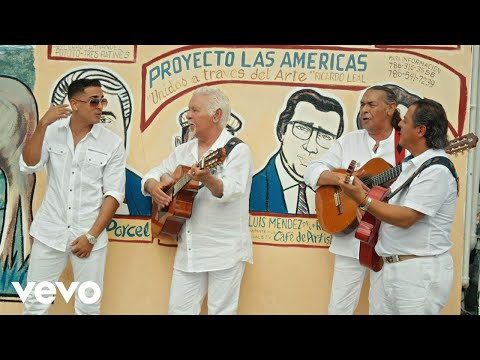 Gipsy Kings & Chico - La Guapa (Clip Officiel) ft. Rio Santana