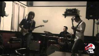 Indie Riot UK: THE BIG BLUE ALL YOUR LOVE [LIVE AT THE STATION HOTEL, SURREY, ENGLAND]