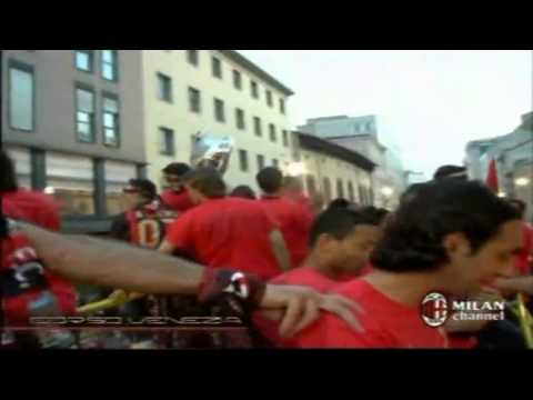 Milan Tour Bus After Win Champions League 2007 Part 4