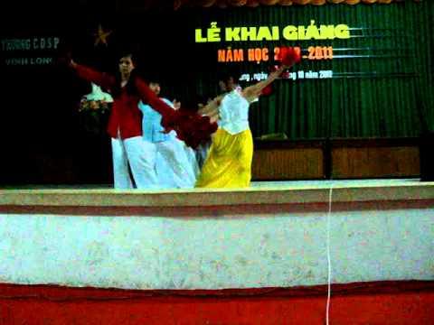 Đảng đã cho ta mùa xuân.múa 34TH1 CDSP Vĩnh Long.15.11.2010