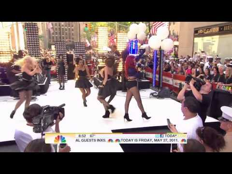Rihanna - What's My Name (LiVE @ Today Show 27.05.2011) 720p-HD