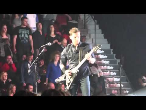 NICKELBACK - Edge of a Revolution - Bell Centre Montreal - 2015-02-18