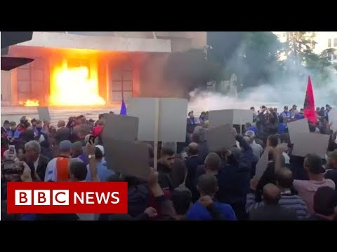 Petrol bombs thrown at Albania PM's office - BBC News