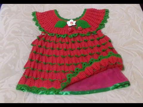 Платье крючком клубничка