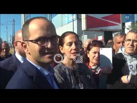 Ora News – Radhët e gjata, ministri Ditmir Bushati në pikën e Kakavijës