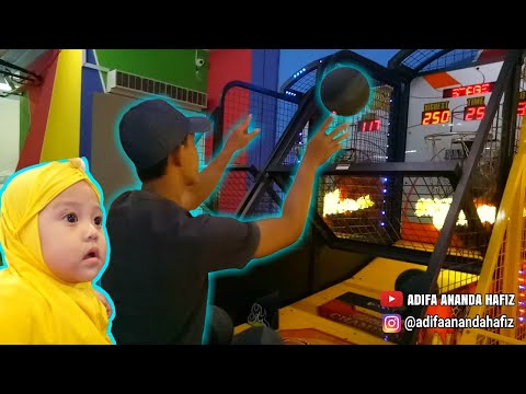 Ayah Main Basket, Adifa Main Mobil Mobilan, Naik Odong Odong Dan Main Capit Capit Boneka Di Timezone