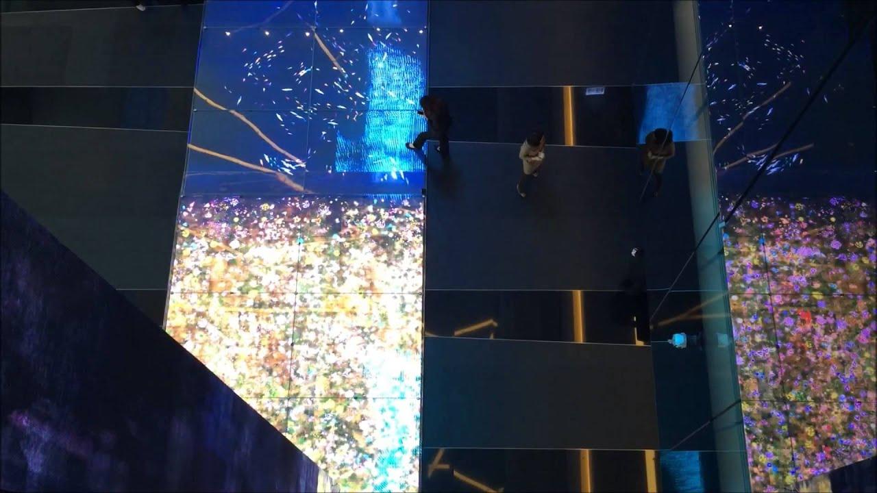 中國信託南港總部三層樓的互動光牆 - YouTube