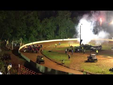 Kyle Larson...winged outlaw kart racing...Mountain Creek Speedway