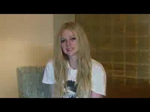 Message from Avril about her new official LINE channel