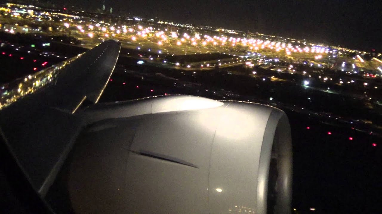 Extremely Powerful Night Time Takeoff United Airlines