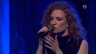 Repeat youtube video Jess Glynne - Take me home (Live) - Vardagspuls (TV4)