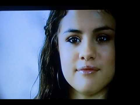 Selena Gomez Crying Over Fans Youtube