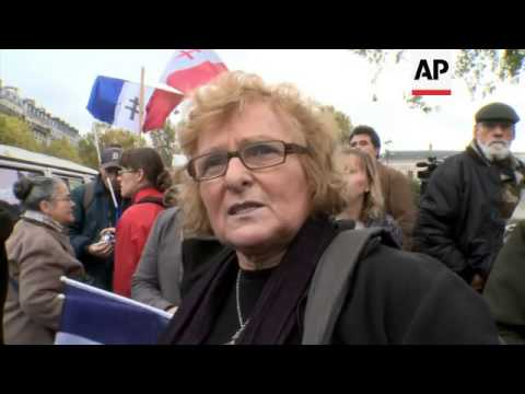 French nationalists rally against Sharia law and Muslim extremism