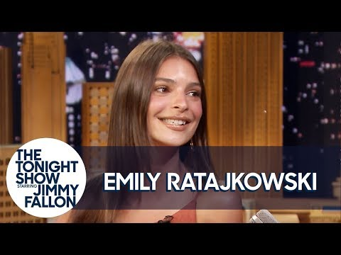 Emily Ratajkowski Breaks Her Cali-Girl Rules to Taste an NYC Taco
