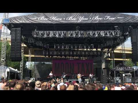 "Moon Taxi ""Run Right Back"" at Bunbury Music Fest 2017"
