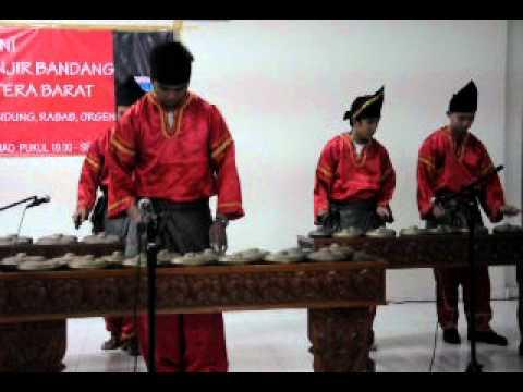 Andam Oi (Talempong) - UABM (Unit Apresiasi Budaya Minang) Kampus ITENAS Bandung