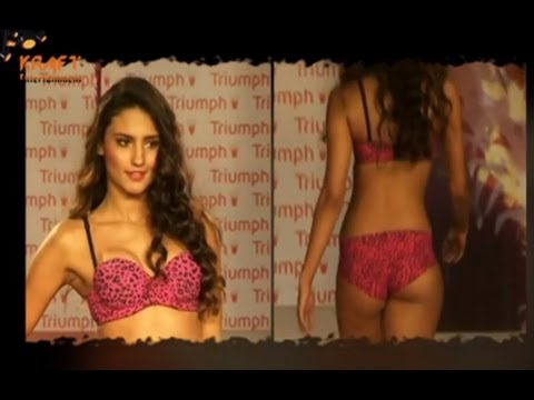 Catch Indian Lingerie Babe in Fashion Show