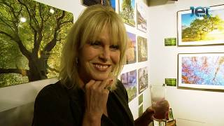 Joanna Lumley and her favourite tree at Adrian Houston's exhibition A Portrait of the Tree