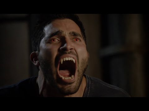 Дерек использует силу альфы, чтобы исцелить Кору. Волчонок. 3 сезон. 11 серия