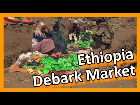 Ethiopia - Market in Debark: struggle for a living