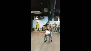 Maxi Solís y Nahir Romano BACHATA - Me ama me odia