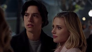 Riverdale Deleted Scene Reveals Betty & Jughead Were ALMOST Roomies