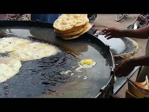 Anda Paratha | Paratha at Street Food of Karachi Pakistan Part 2
