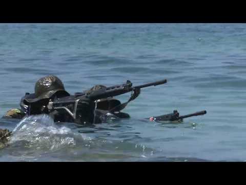Video Alunos do curso de mergulhadores de combate da Marinha do Brasil