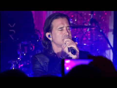 Scott Stapp Performs at the 5th Annual PinkTie org Event