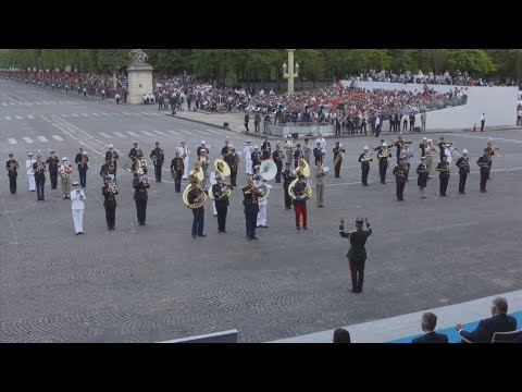 French military band performs Daft Punk hits for Trump