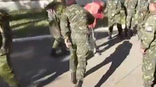 Ополченцы жестко, но действенно борются с мародерством #ЛНР# #ДНР# #АТО# #НОВОРОССИЯ# #УКРАИНА#