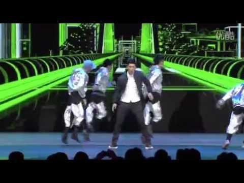 Crouching: Qing Ming sword Beijing conference of Harry Shum hyun dance show