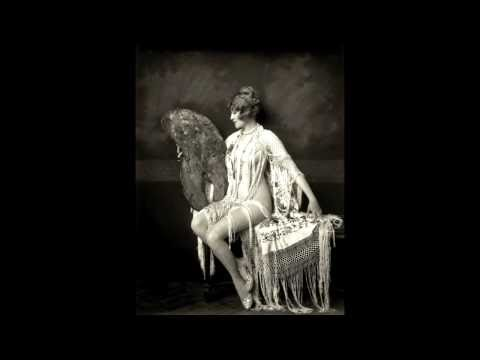 Biography in Brief: Ruth Etting