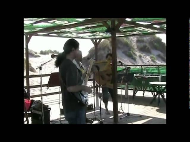 (2004) - Marcello Zappatore palleggia mentre suona