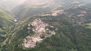 Terremoto centro Italia tre anni dopo, ancora macerie ad Accumoli: le immagini dal drone