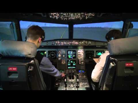 Flying Airbus A320: full flight video from...