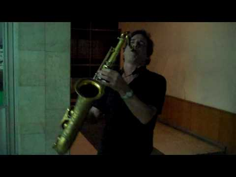 Tom Gimbel Plays From Russia With Love Thumbnail image
