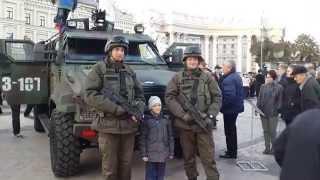 Выставка военной техники на Михайловской площади в Киеве 14.10.2015
