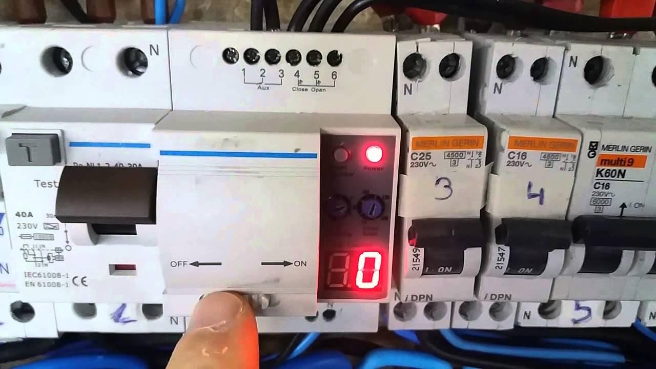 Interruptor diferencial con rearme autom tico con control for Diferencial rearme automatico