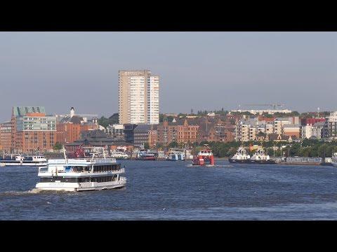 Hamburg, Germany: Elbe, Hafen (Harbor), Fahrgastschiffe (Passenger Ships) - 4K UHD Video Image