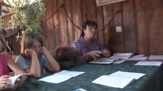 біблійні уроки в таборі для дітей сиріт