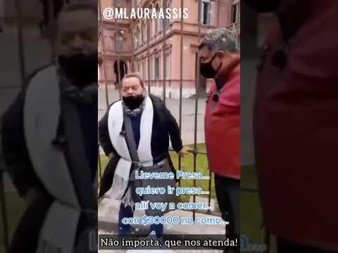 TRISTE!  Enfermeira se acorrenta à grade da Casa Rosada, para ser presa receber remédios e comida